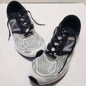 New Balance Fresh Foam Zante V3 Mens Running Shoe